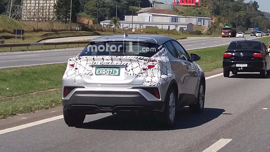 Flagra - Novo SUV da Toyota, C-HR já roda em testes no Brasil