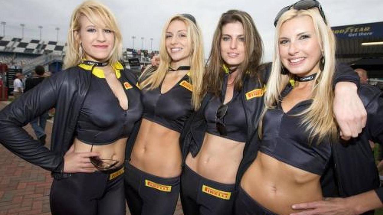 Charming Pirelli girls - Grand-Am Rolex Sports car Series, Rolex 24 at Daytona Beach, 28-31.01.2010