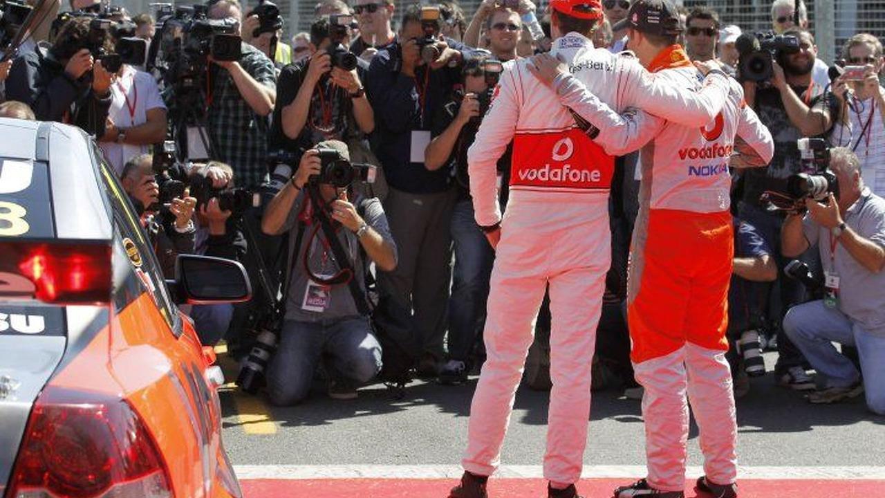 Jenson Button, Jamie Whincup, Australian V8 Supercars champion, Australian grand prix, Melbourne, Australia - 720 - 22.03.2010