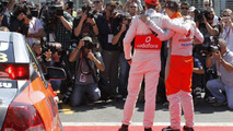 Button swaps McLaren for V8 Supercar in Melbourne