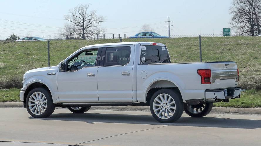 ford   limited spied   rear bumper dual exhaust
