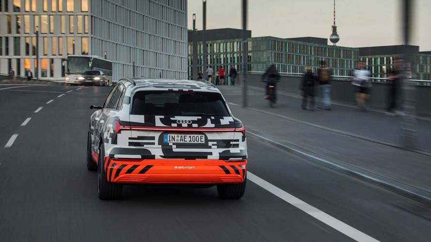 2019 Audi E-Tron Faraday Kafesi Şovu
