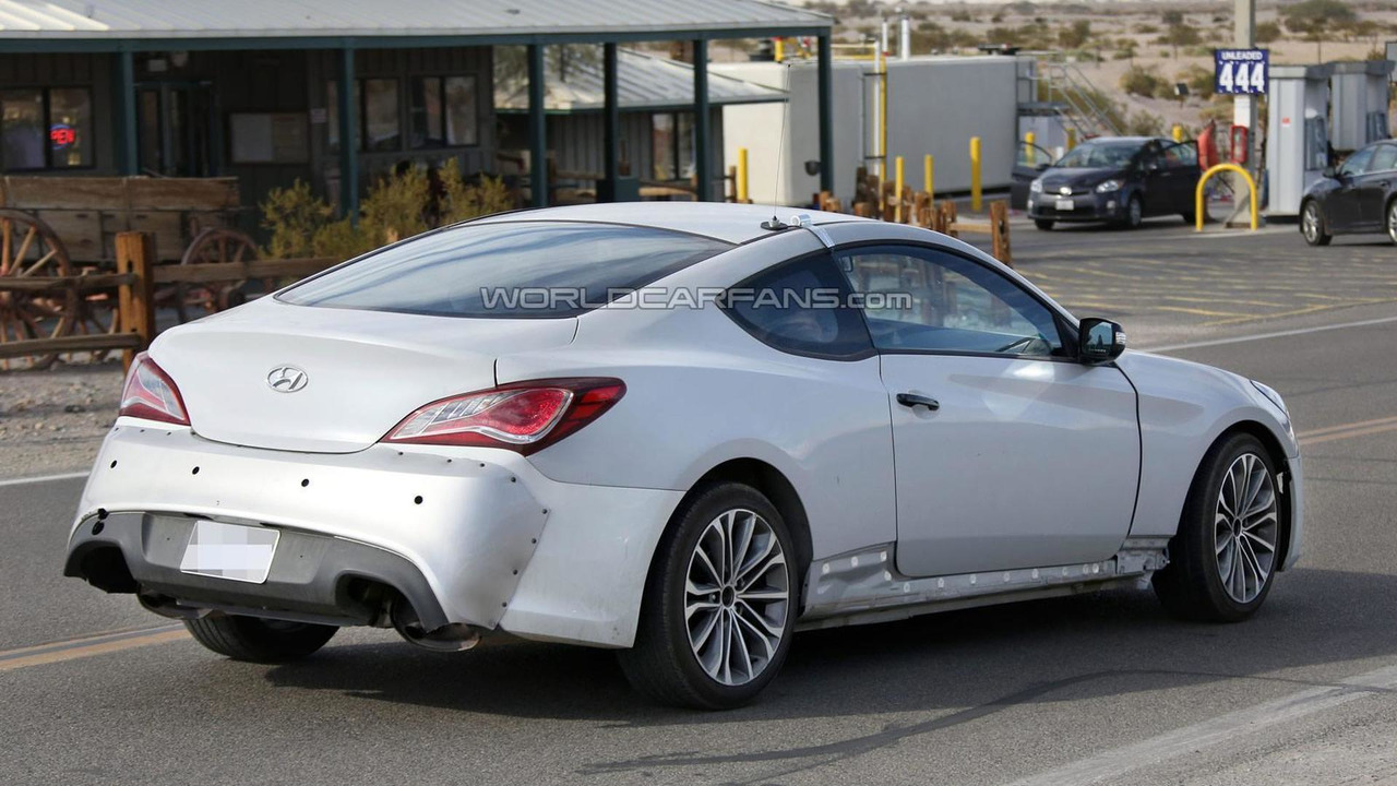 2016 hyundai genesis coupe spied. Black Bedroom Furniture Sets. Home Design Ideas