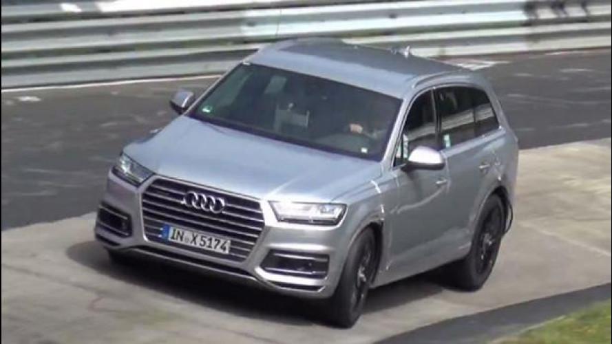 Audi, la SQ7 a muro al Nurburgring