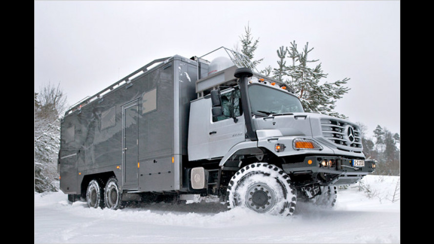 Offroad-Expeditionsmobil mit Marmor im Bad
