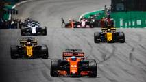 Fernando Alonso, McLaren MCL32, Nico Hulkenberg, Renault Sport F1 Team RS17, Carlos Sainz Jr., Renault Sport F1 Team RS17, Felipe Massa, Williams FW40