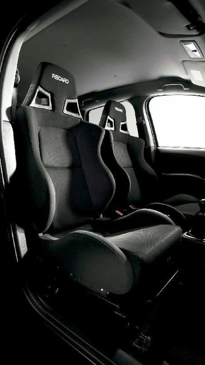 Mitsubishi Colt Ralliart Version-R Recaro seats
