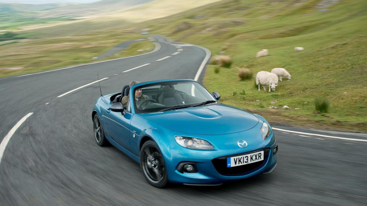 https://icdn-1.motor1.com/images/mgl/6NkB7/s3/2013-393655-2013-mazda-mx-5-sport-graphite-limited-edition-10-07-20131.jpg