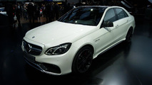 2014 Mercedes E63 AMG live in Detroit 14.01.2013