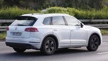 2018 VW Touareg spy photo