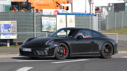 Do Spy Pics Reveal Porsche 911 R Successor?