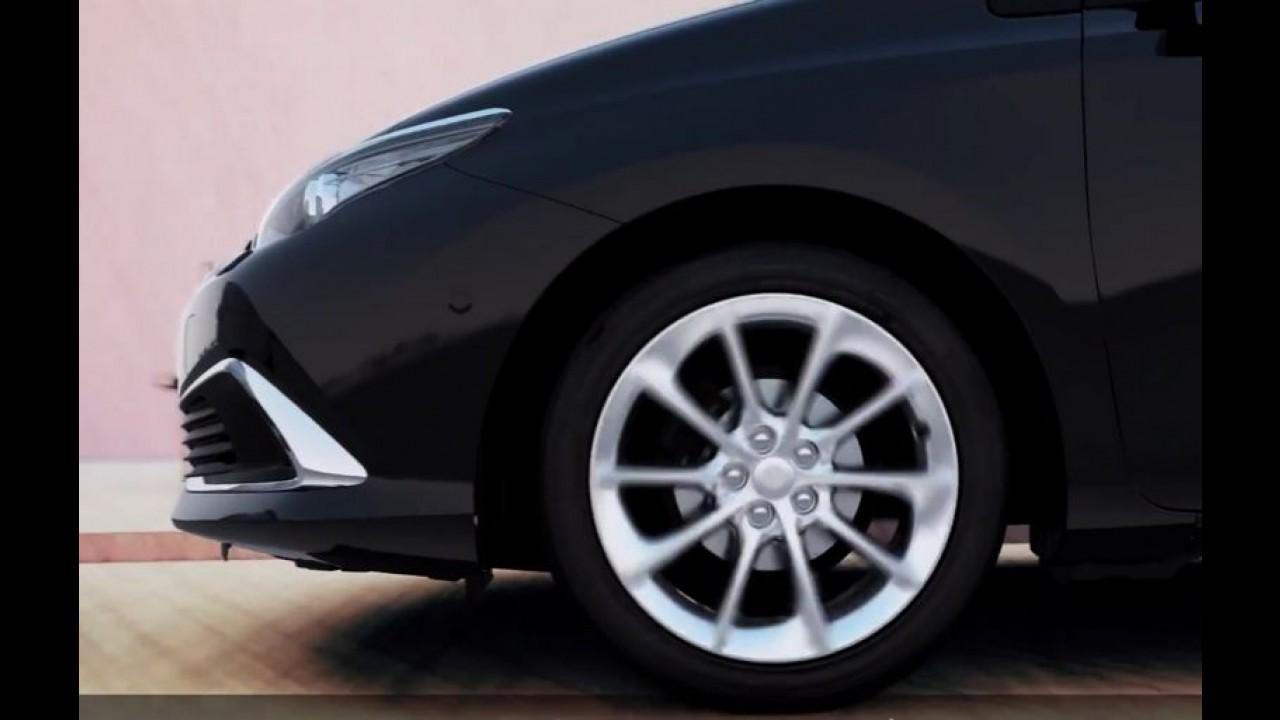 Corolla reestilizado ou versão híbrida? Sedã aparece de cara nova em vídeo