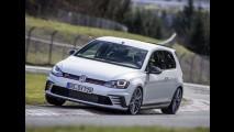 Europa: Captur líder entre SUVs e Sandero no top 20 são destaques em abril