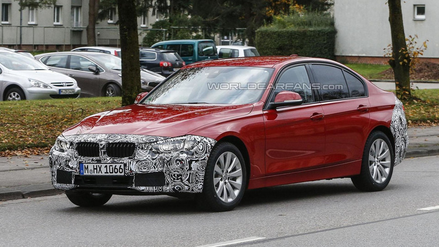 Facelifted BMW 3-Series Sedan spied up close