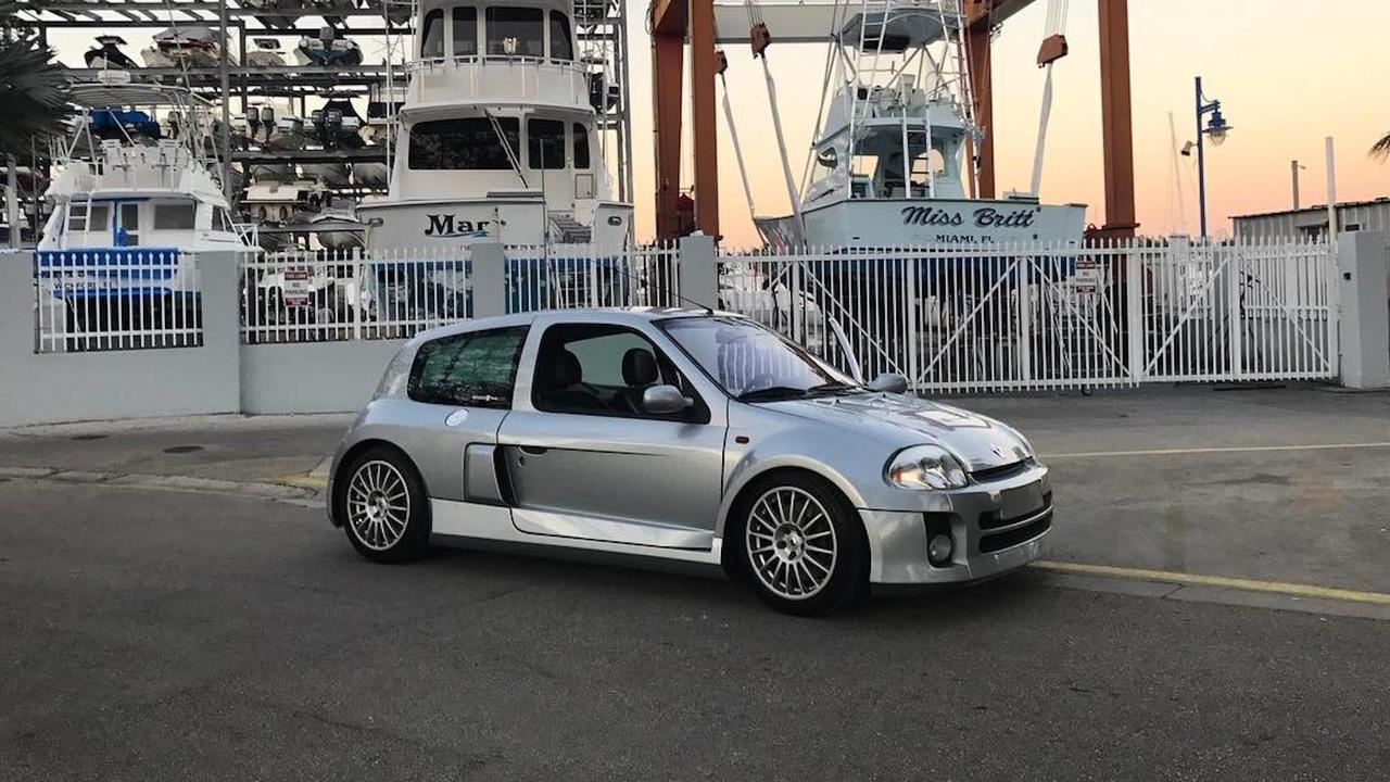 2003 Renault Clio V6