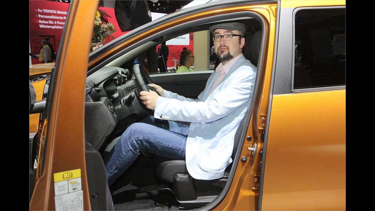 IAA 2017: Sitzprobe im neuen Dacia Duster