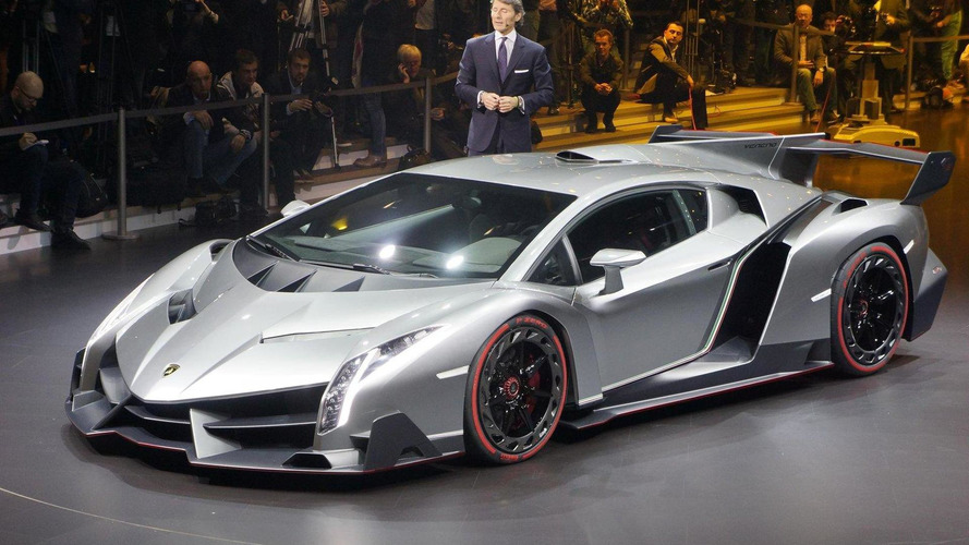 Lamborghini Veneno officially powers into Geneva