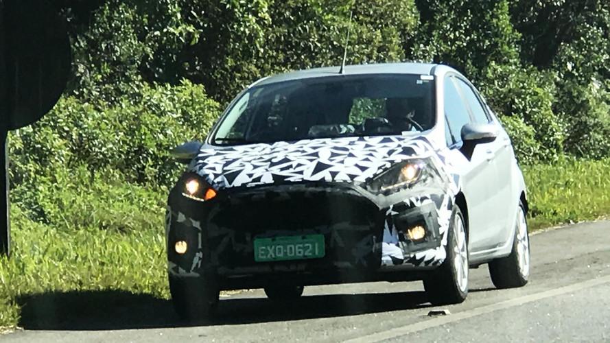Flagra - Ford Fiesta é pego com facelift para o Brasil