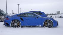 Porsche 911 GT2 RS spy photo