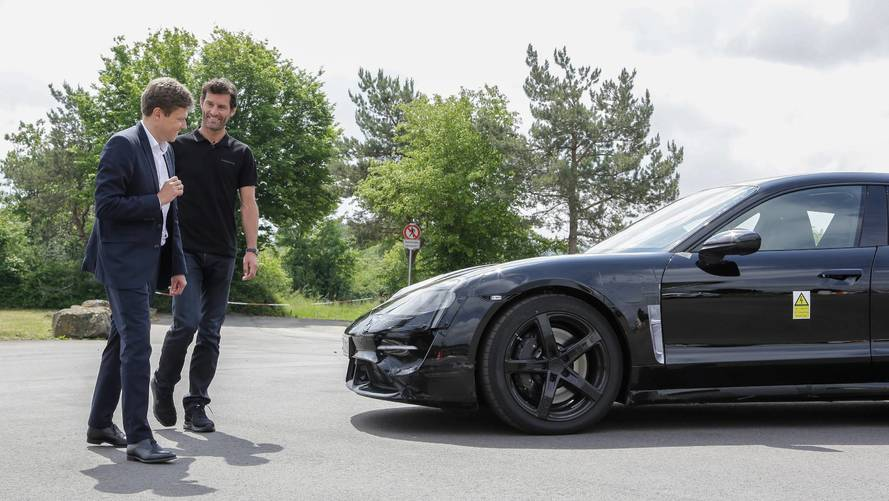 Porsche installe ses premières bornes de recharge 800V