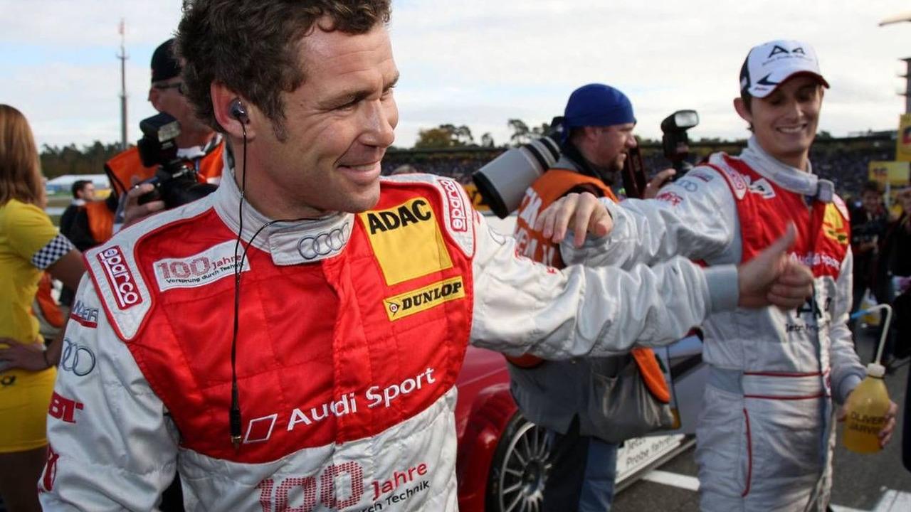 Tom Kristensen (DNK), Audi A4 DTM saying hello to Oliver Jarvis (GBR), Hockenheimring, 25.10.2009 Hockenheim, Germany