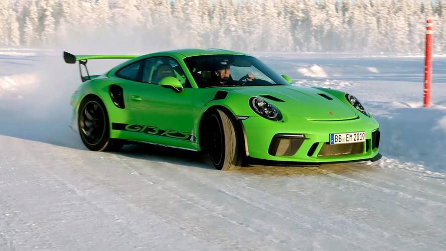 Watching This Porsche 911 GT3 RS Dancing On Ice Is Very Zen