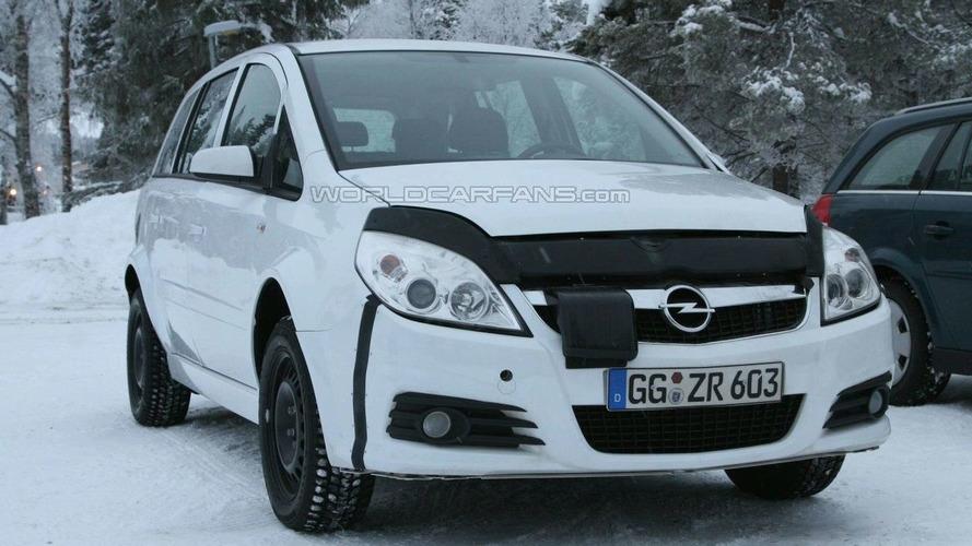 Next Generation Opel Zafira Test Mule Spied