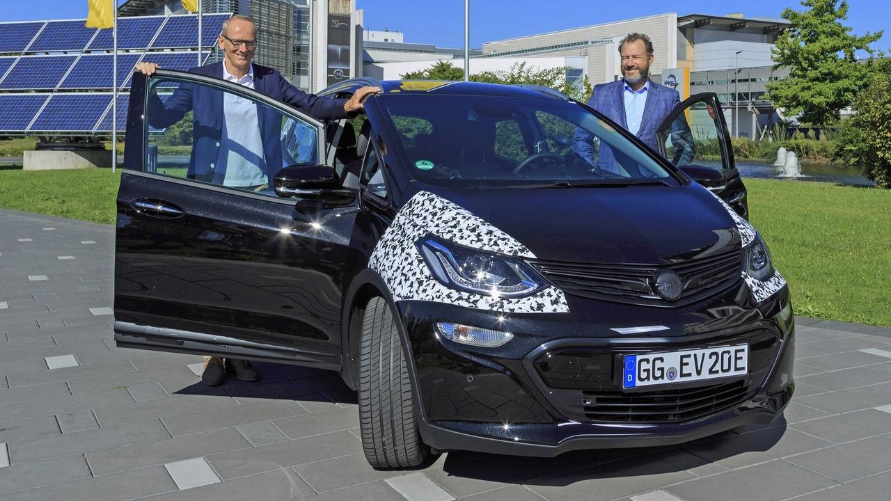 Opel Ampera-e development mule