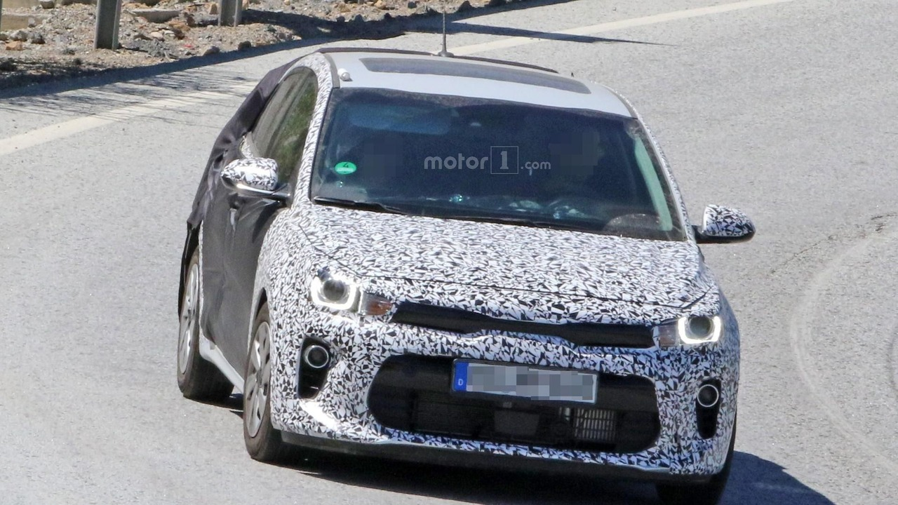 2017 Kia Rio spy photo