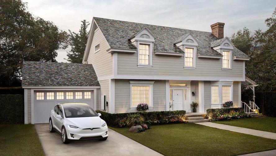 Tesla'nın bulunduğu şehirdeki tüm evlere güneş enerjili çatılar
