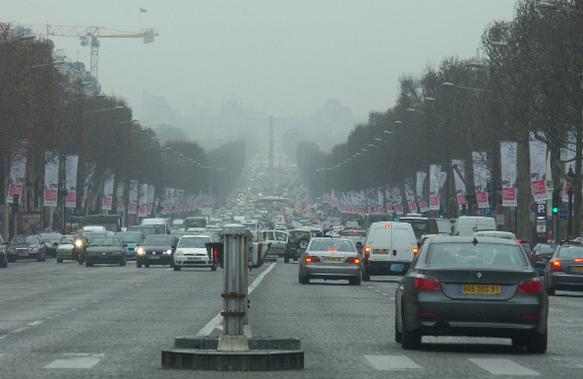 Paris Anti-Pollution Car Ban Lasts Only One Day