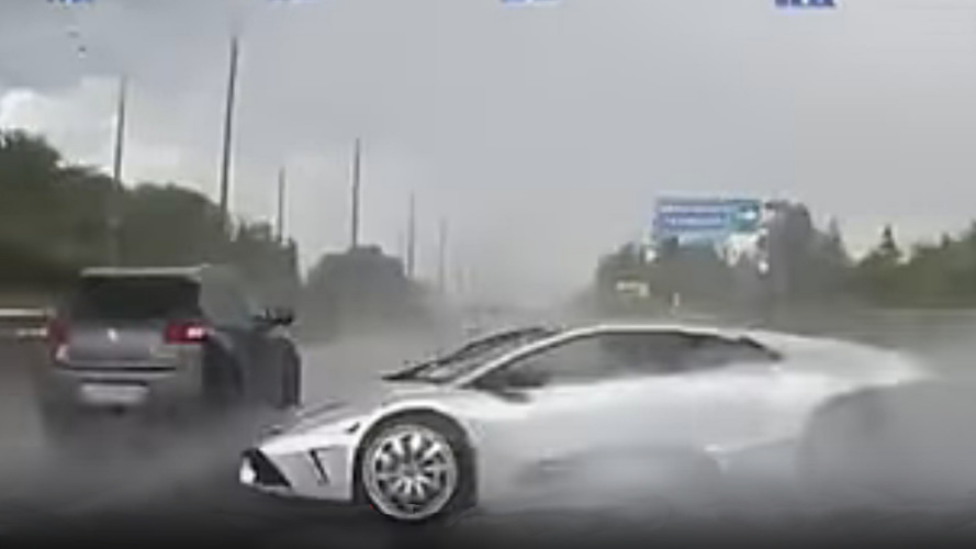This Lamborghini crash looks fake but really happened