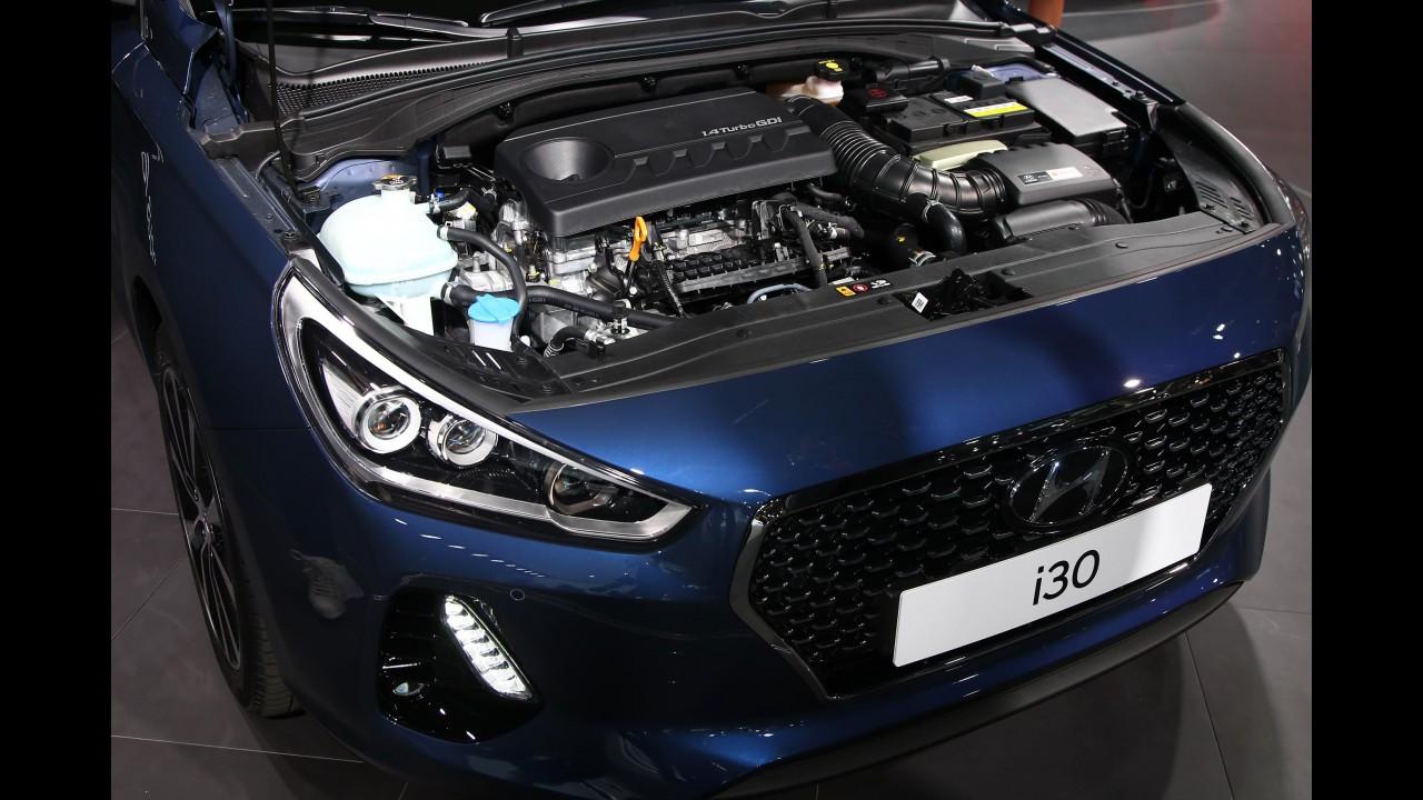 """Paris: novo Hyundai i30 2017 aparece junto com conceito """"de corrida"""""""