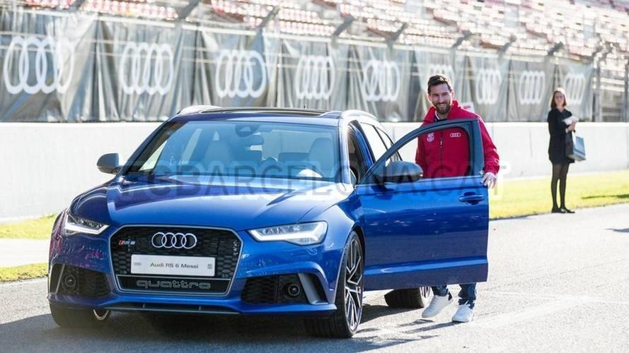 VIDÉO - Les joueurs du Barça reçoivent leur Audi