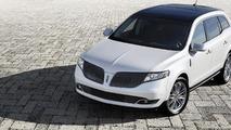 2013 Lincoln MKT Town Car gets 2.0-liter EcoBoost engine, only for fleets