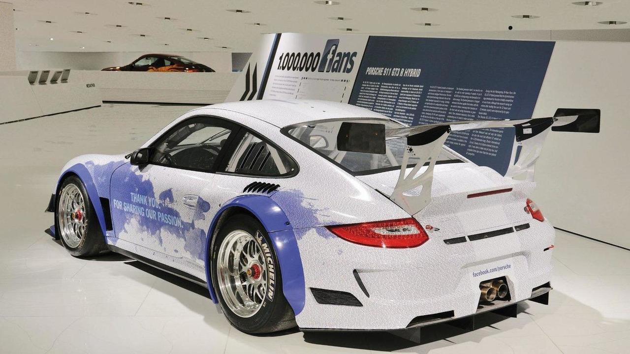 Porsche museum displays a special exhibit Porsche 911 GT3 R Hybrid 16.02.2011