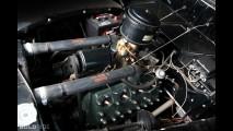Ford DeLuxe Fordor Sedan