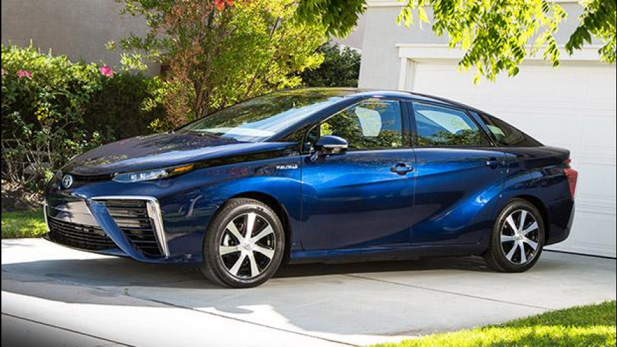 Toyota Mirai, l'era dell'idrogeno [VIDEO]