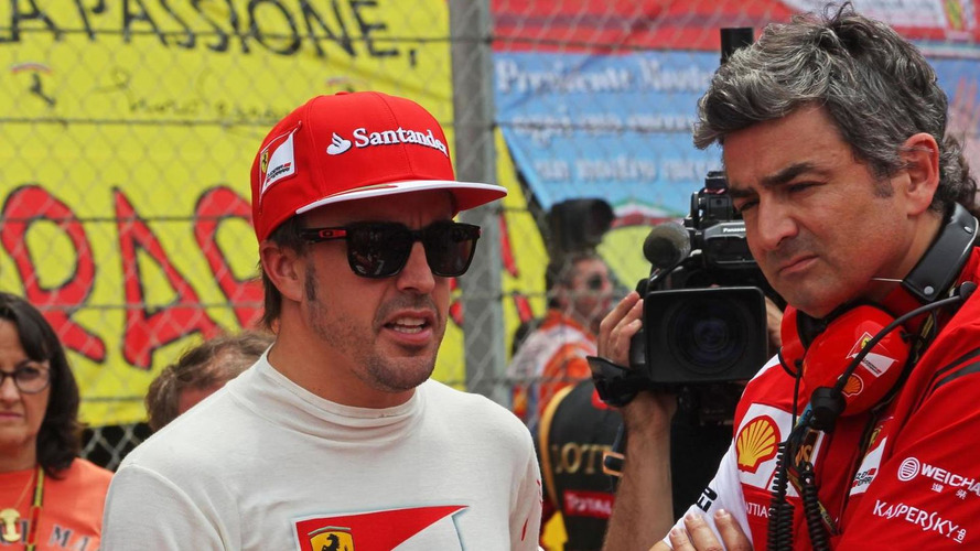 Alonso hints at souring relationship with Ferrari