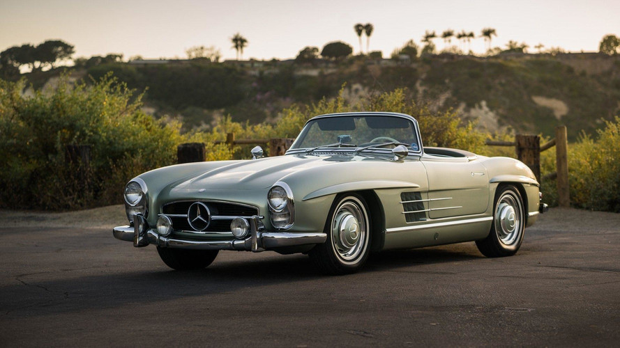 Auction-Bound Mercedes 300SL Roadster Makes Us Green With Envy