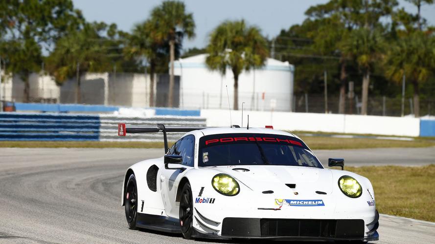 Porsche 911 RSR fase de construcción