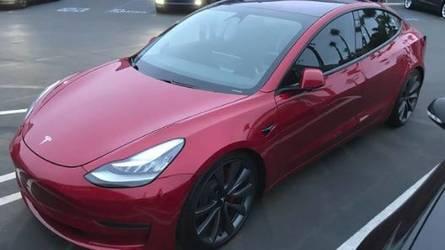 Megkapta első igazán nagy pofonját a Tesla Model 3