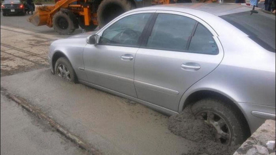 See why a woman driver, wet concrete & Mercedes E-Class don't mix
