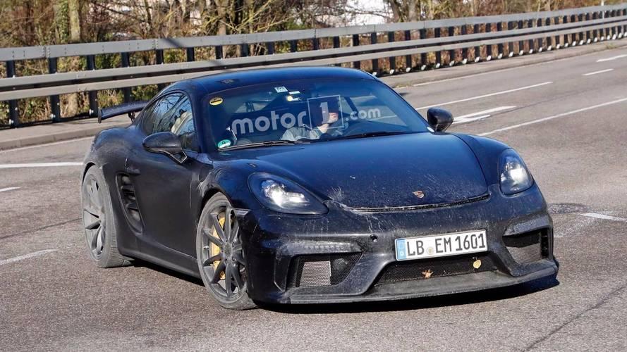 2018 Porsche 718 Cayman GT4, kirli gövdesiyle yakalandı