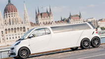 Six-wheeled Smart limousine by Limouzine.de