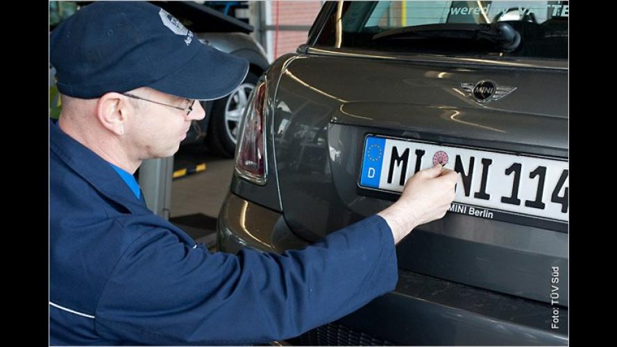 Strom-Prüfer: Erste Hauptuntersuchung an E-Autos
