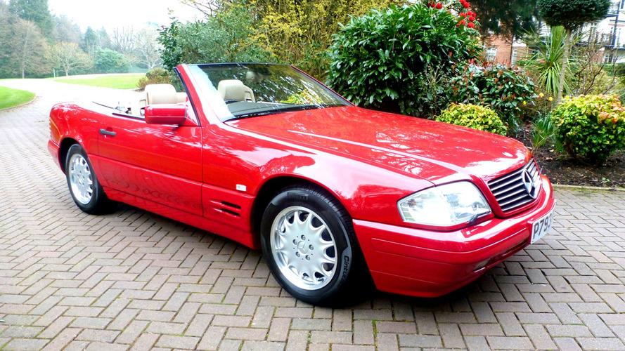 Bu 1996 model Mercedes SL500 yalnızca 130 km'de!