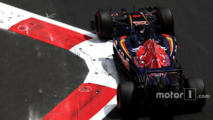 Pirelli says 90 percent of tyres were cut by kerb bolts