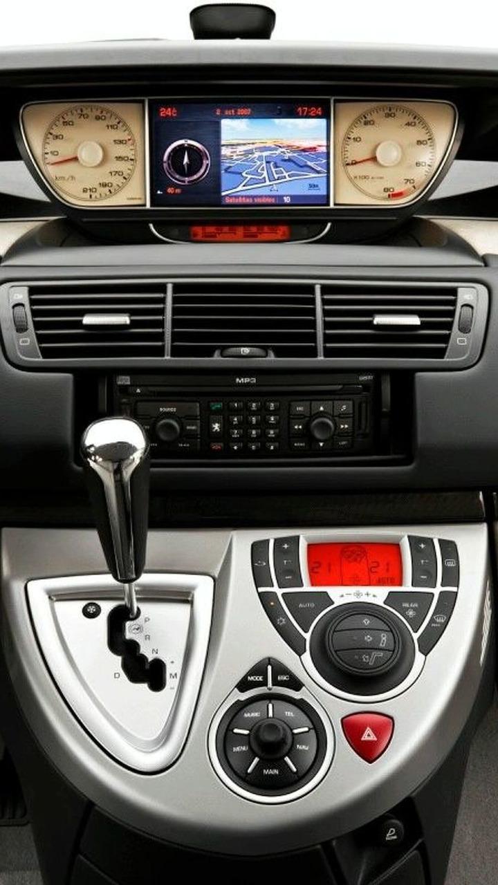 2008 Peugeot 807
