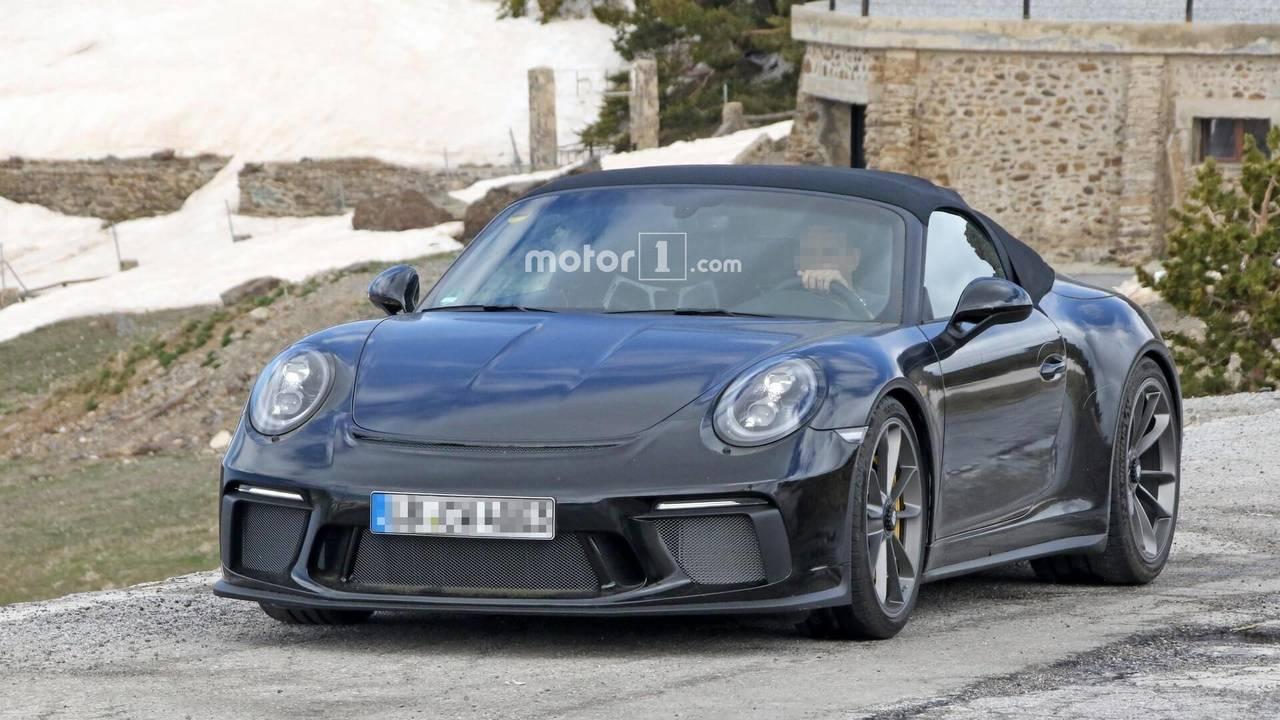 Porsche 911 Speedster spy photo